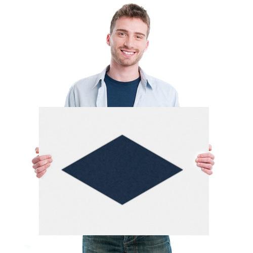 felty Filz Fliese zur Wandgestaltung Wohnraum Modell Jill Größe M Farbe A82 stahlblau Modellbeispiel