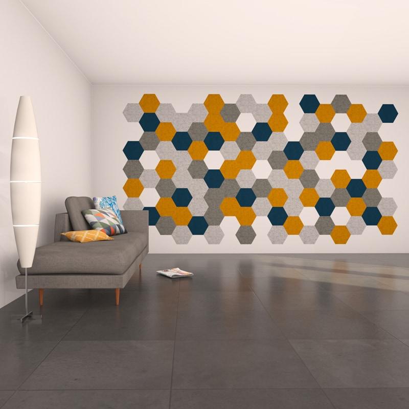 felty Filz Fliese zur Wandgestaltung Wohnraum Modell Hexo Größe M Farbkombination Wohnzimmer Szene 01