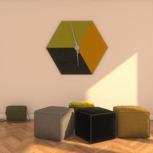 felty Filz Wanduhr Wollfilz auf Vliesplatte zur Wandgestaltung Wohnraum Modell Tim Farbkombination Szene 01